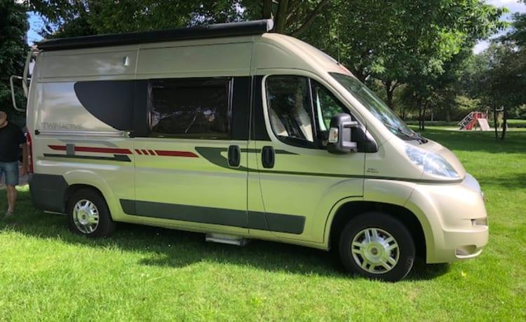 Autobus camper Adria Van Twin Active