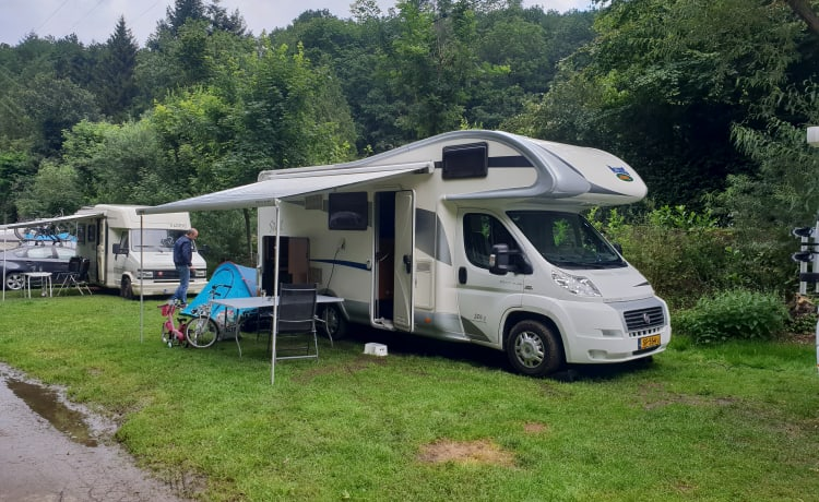 Very neat 6 person camper Mc Louis Fiat Ducato