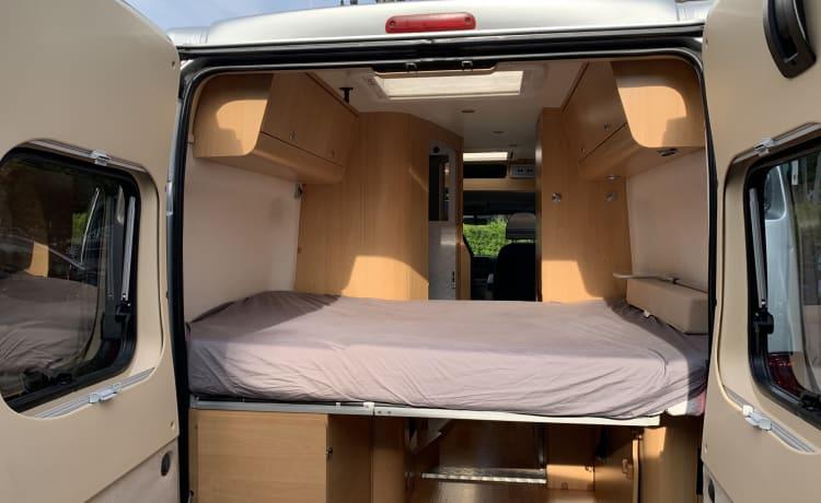 Adria Twin – In ottime condizioni! Bel camper per 4 persone con portabiciclette