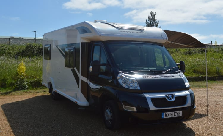 Luxury 6 Berth Motorhome