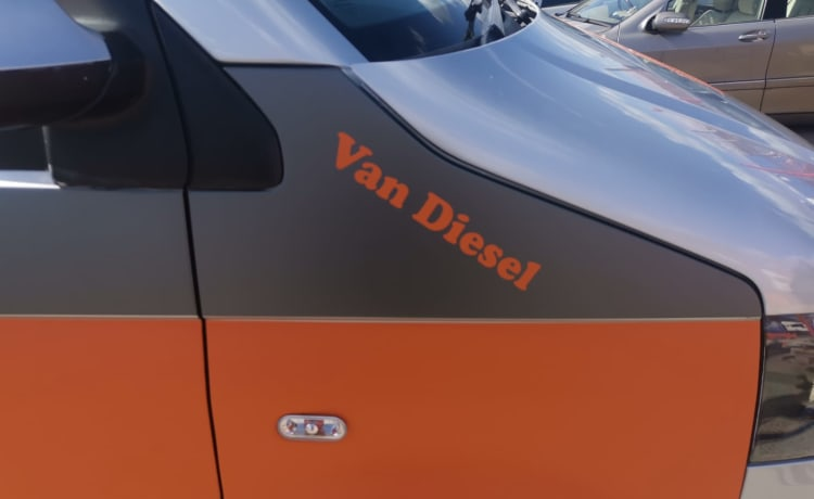 Van Diesel  – Fully Loaded Eye Catching orange and grey T5