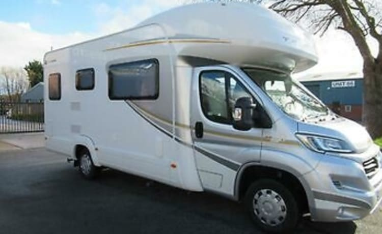 Autotrail Tribute 726 Motorhome with 4 seat belts sleeps 6