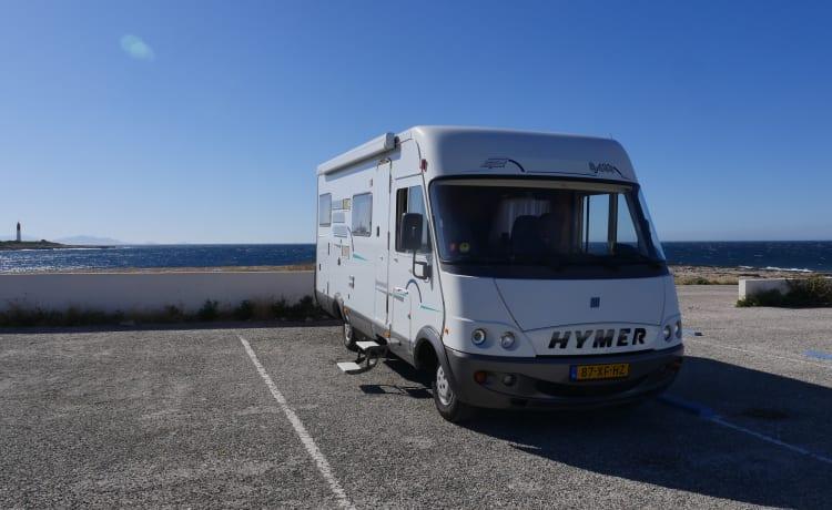 Herbie – Our wonderful Hymer B644 6 person camper with XXL garage !!