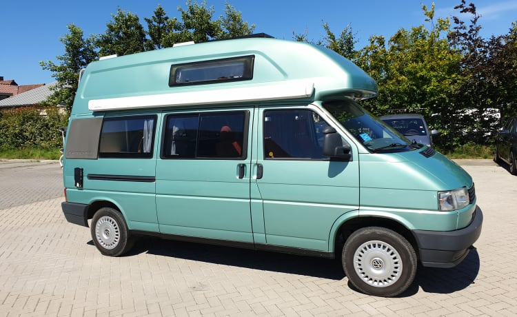 VW T4 Exclusive 4 slaap- 4 zitplaatsen.