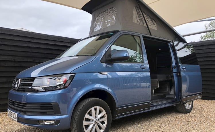 VW Camper, pop up roof – VW Camper, 4-persoons pop-up dak