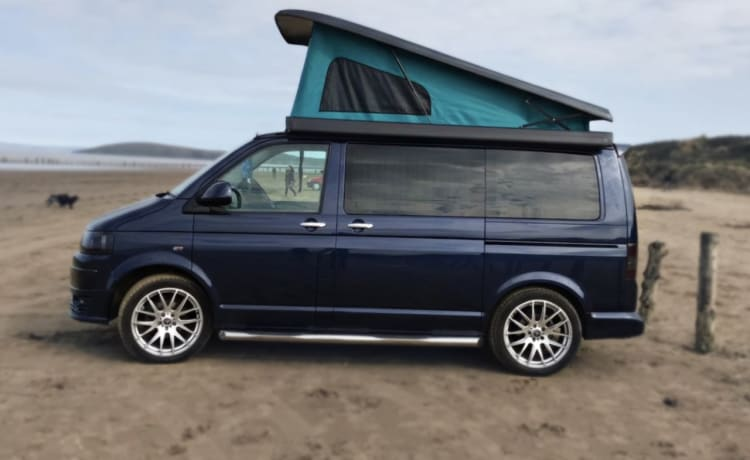 Rayminder – Rayminder – Luxury VW T5 4 berth Campervan