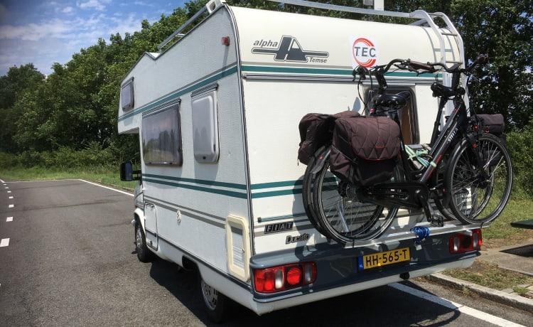 """Omanido – Camper Alcove """"Omanido""""."""