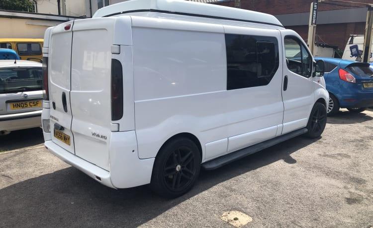 Vauxhall Vivaro Camper Van hefdak geschikt voor 4 personen