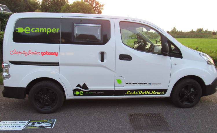Ecamper – E-motorhome Nissan ENV200 Electric compact bus camper for 2 persons