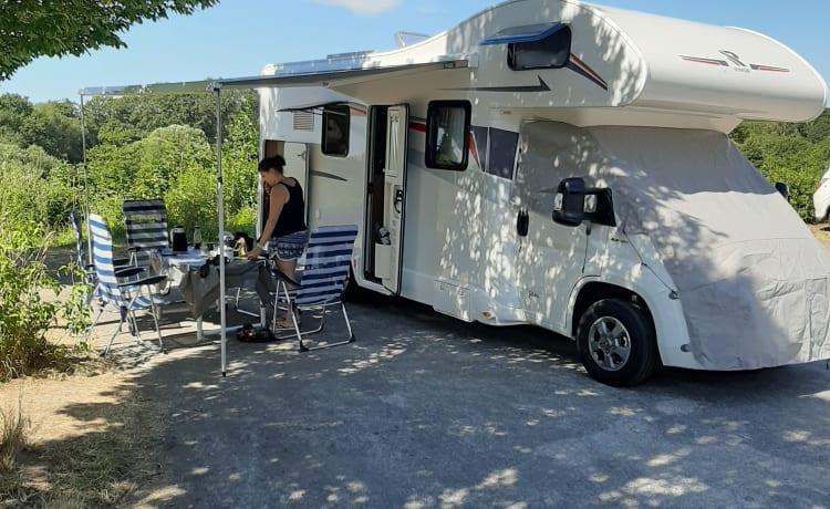 Spacious new mobile home
