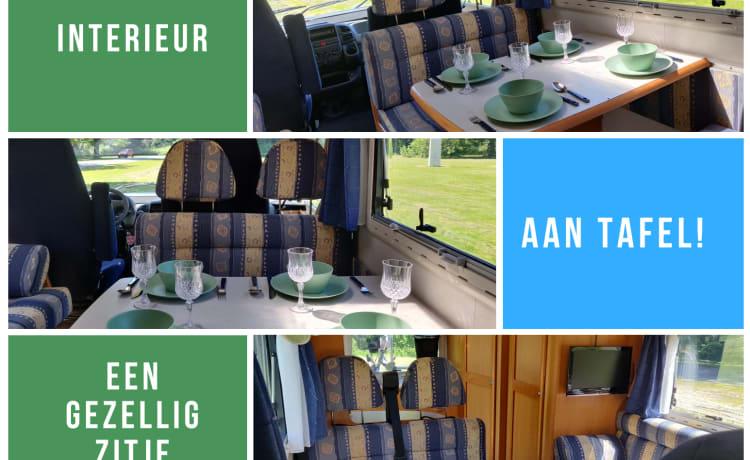 Kempurtje  – Hymer B544; 6 persoons extra comfortabele en complete camper!
