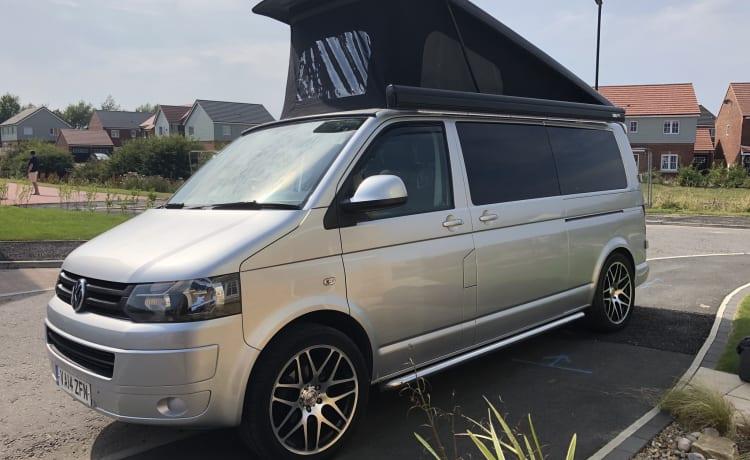 Maak kennis met Bomber, onze LWB VW-campervan