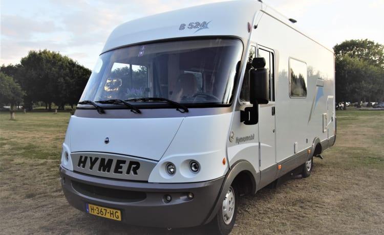 zeer complete 4 persoons Hymer camper (incl. camping uitrusting)