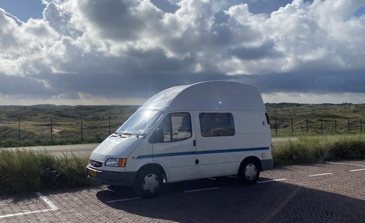 Camper van with Reimo high roof Frond Transit