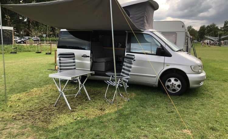 Happy Camper – Well equipped 4 person MB Vito 'MARCO POLO'