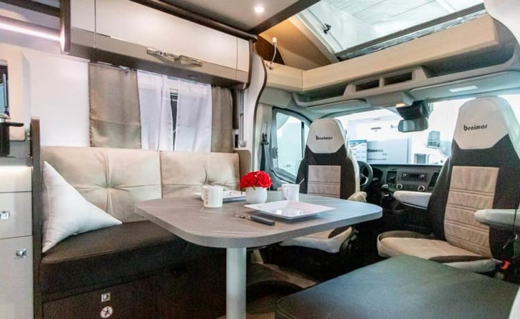 Benimar Cocoon 468 – DELUXE mobile home 4 pers with tow bar
