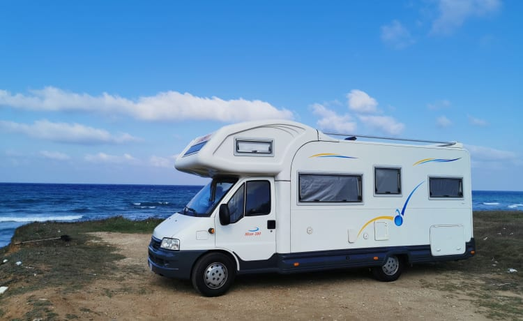 Mizar – Large camper with 2 double beds to travel all over Sardinia