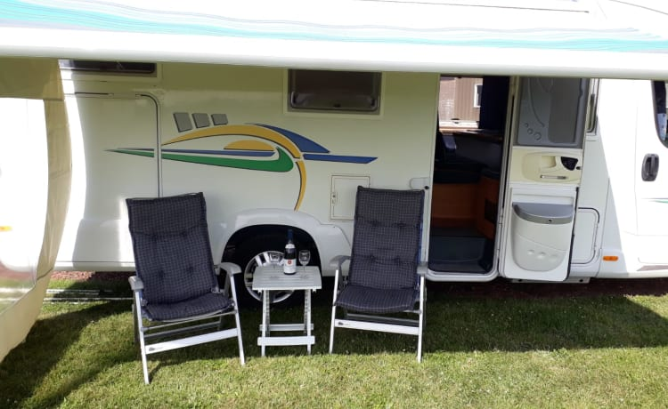 Camper Semi Integrated for 4 people