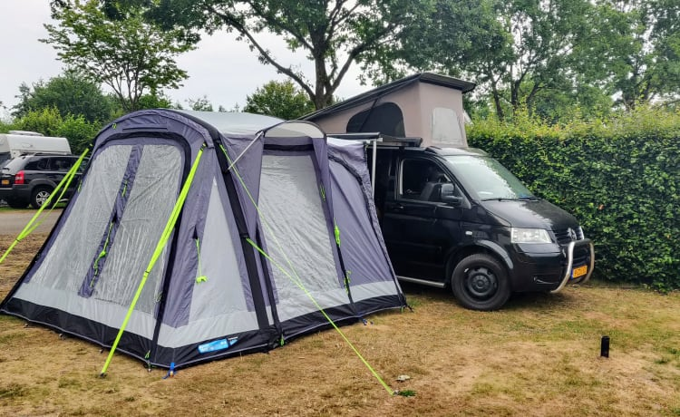 Zwarte 2.5 TDI Multivan T5 Highline Camperbus