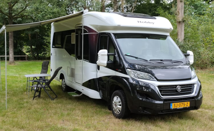 'Leave' – Camper compatto Hobby Optima de Luxe