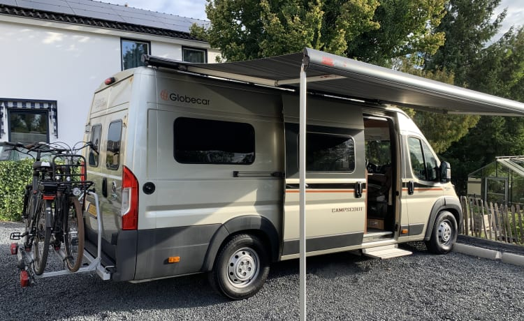 Pössl Globecar Campscout – Beautiful bus camper with a fine and practical layout.