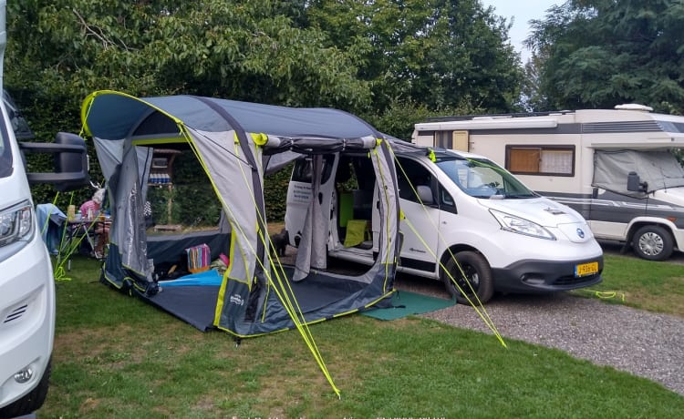 Ecamper – Camper elettrico Nissan ENV200 Camper elettrico compatto per 2 persone