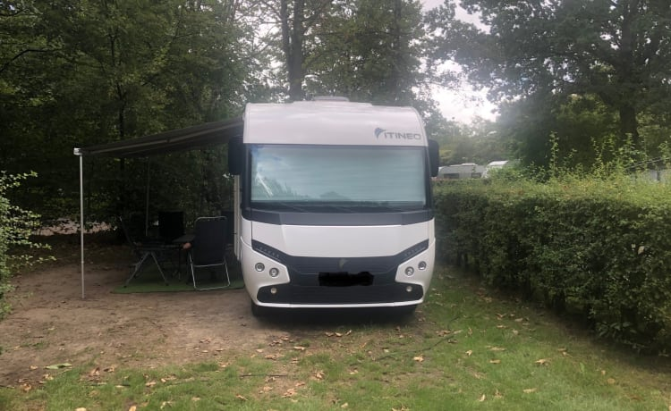 Itineo – Luxurious integral motorhome driver's license C.