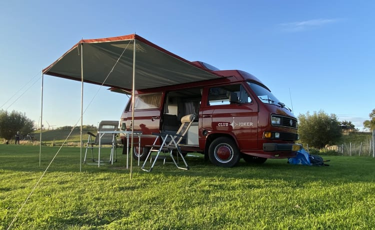 Club Joker – Retro Volkswagen T3 from the 80's (4 sleeping places)