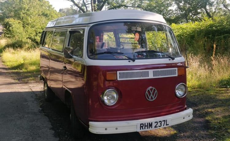 Heidi – Explore Scotland with Heide - Vintage VW T2 Campervan