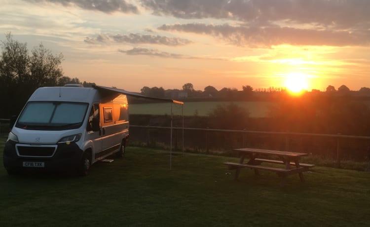 'SoFi' - Onze off-grid campervan
