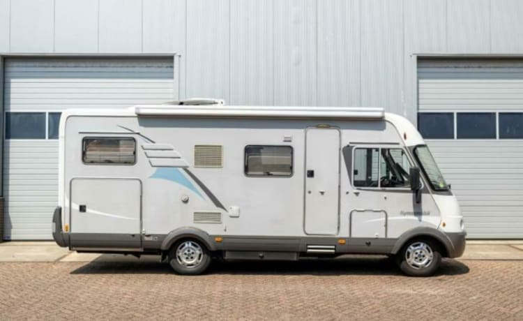 Comfortable spacious HYMER B 614 motorhome for summer and winter (sports).