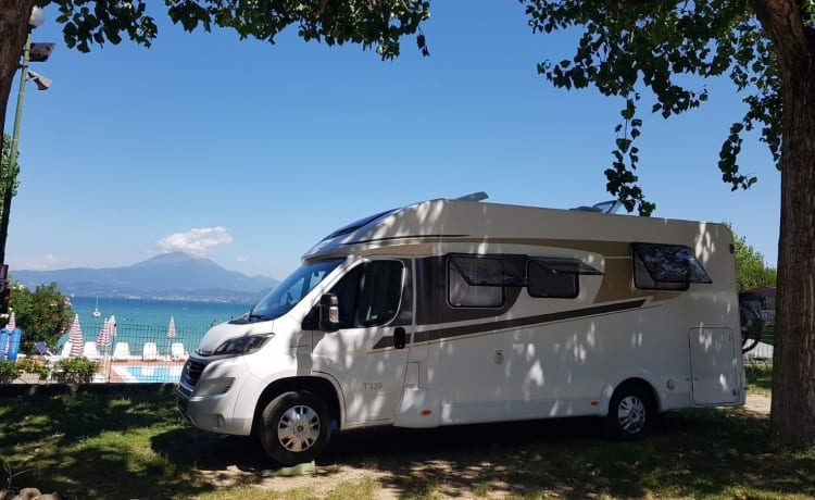 Camper 3 – Luxury Carado T338 6.97m long beds and pull-down bed