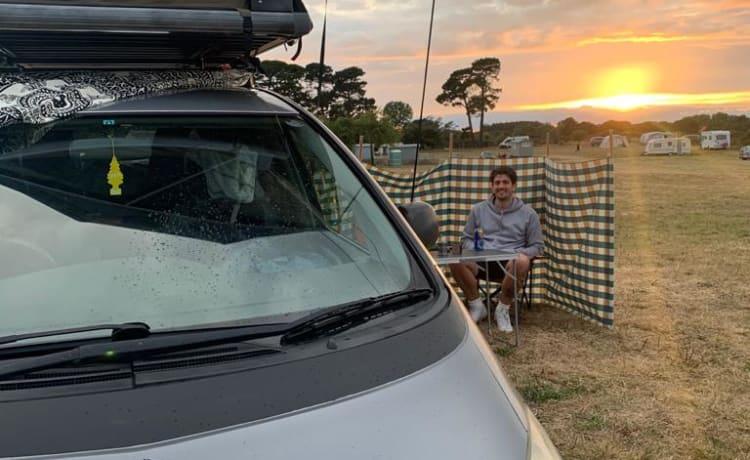 Toyota Campervan met daktent