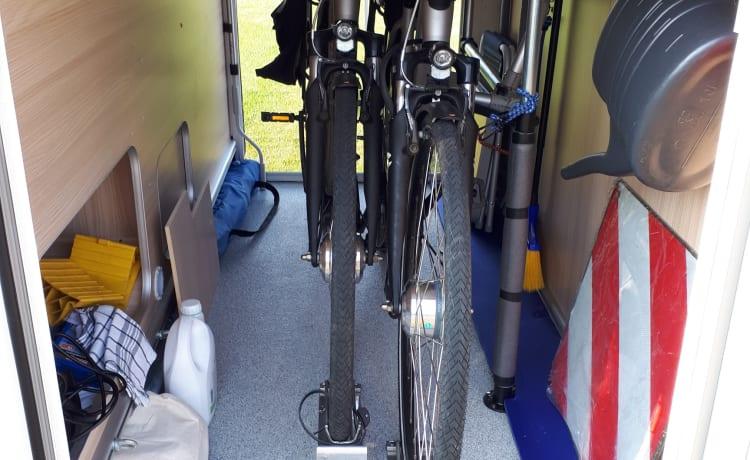 Bürstner  CI  LINE 699 Travel – Bürstner IC Line 699 molto lussuosa per due persone, versione speciale