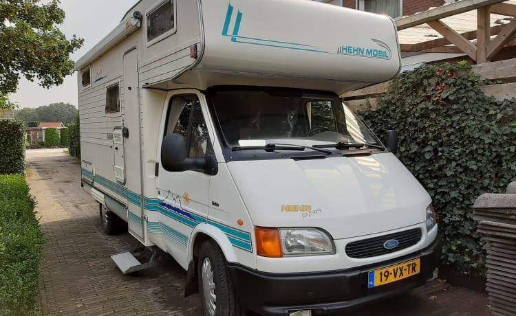 Rheinstar – Ford Hehn Rheinstar leuke gezinscamper met turbodiesel motor.