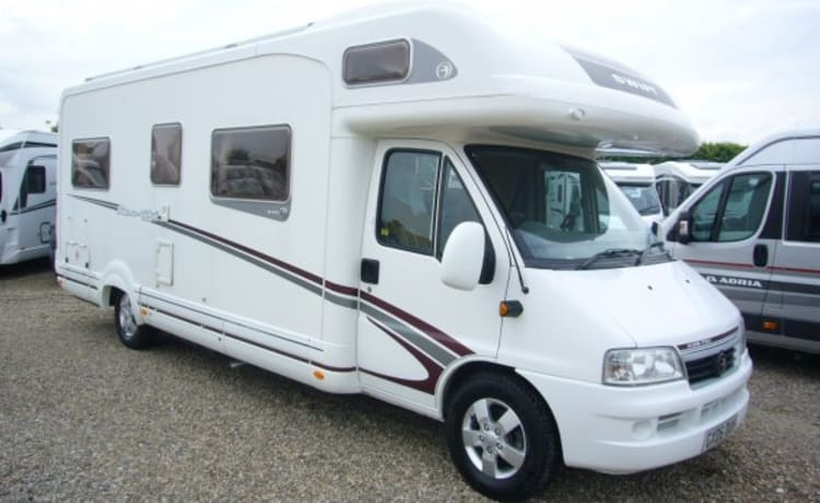 Tiki – Tiki the family 6 berth motorhome, the best way to make memories.