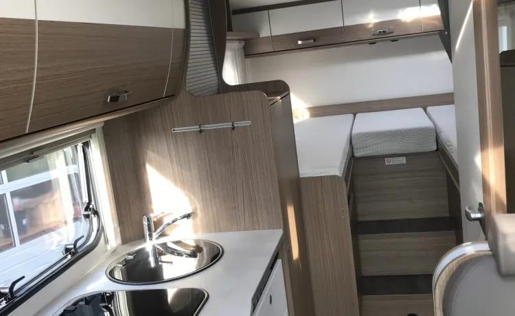 Splinternieuwe camper Carado model 2021 (Hymer fabriek) Type T337 te huur