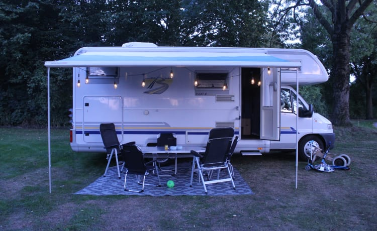 Delicious Bürstner family camper 6 p, very spacious and complete!