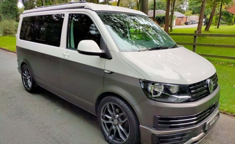 VW Transporter 2019 SWB