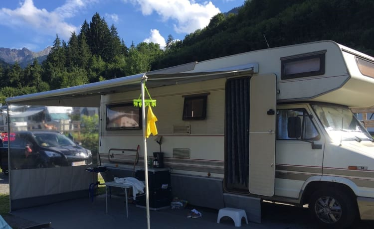 Yes We Camp! 5pers spacious, comfortable, especially cozy and experienced camper.