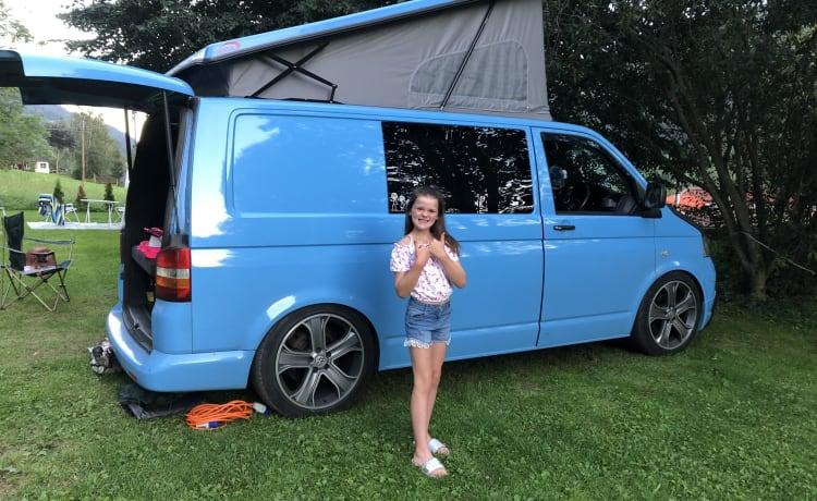 Bluebell – VW T5 pop-top voor 4 personen.