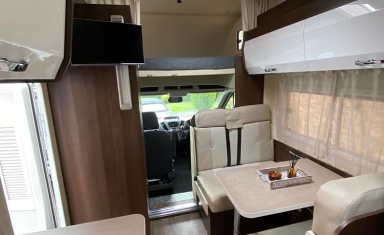 DIM Motorhome Automatic Ford Team Roller