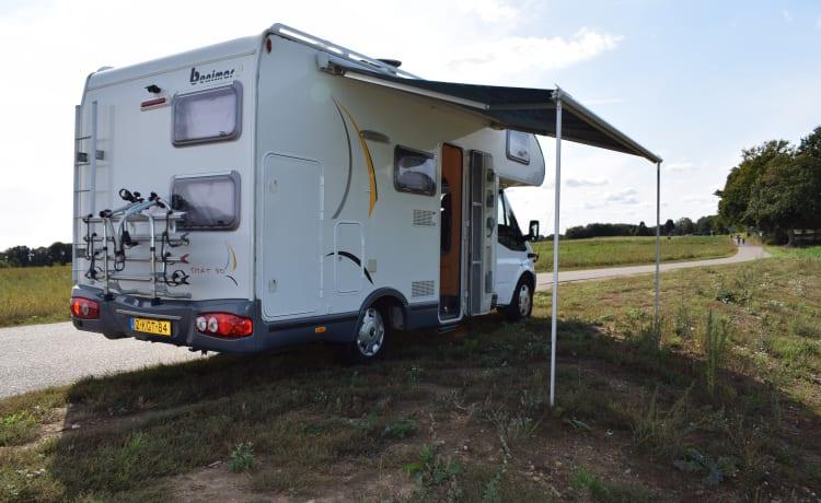 Ford Benimar  – Comfortabele familiecamper met 6 slaapplaatsen compleet ingericht
