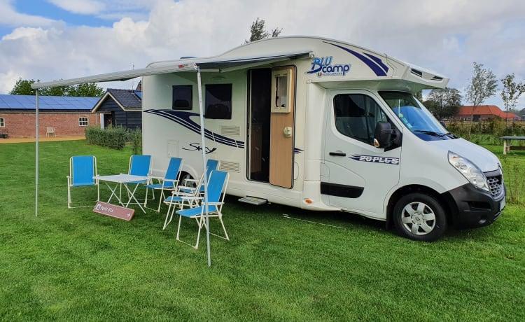 3- Renault blucamp eco-friendly camper for 6 people