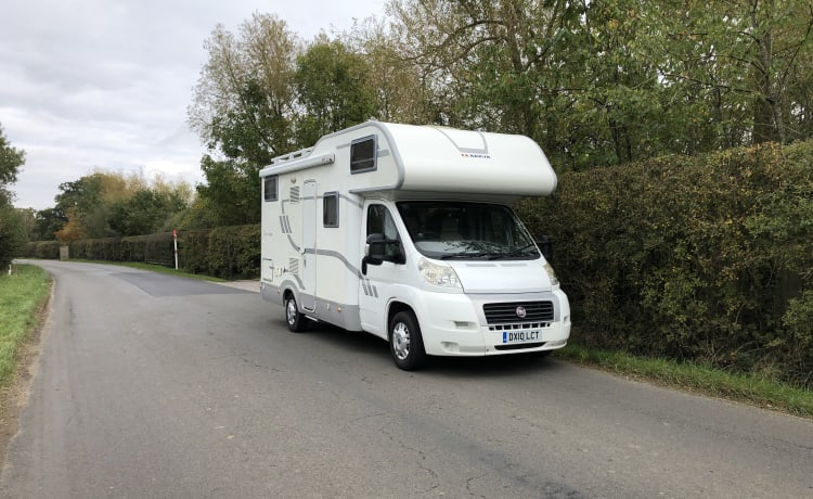 Vinnie – Zes persoons camper in Berkshire