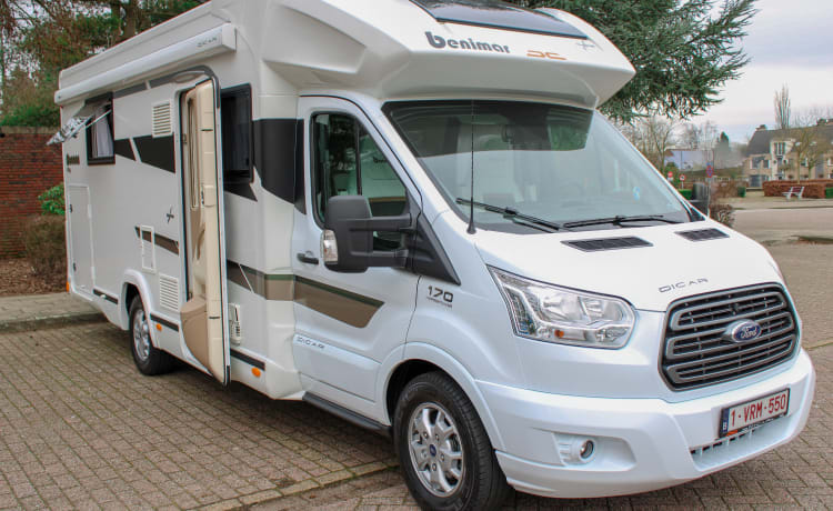Luxury camper Ford Cocoon 496 - Automatic - 170 hp