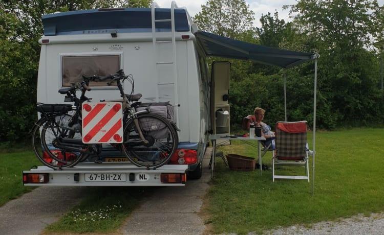 Vrijheid/blijheid met onze complete Hobby 600 camper op vakantie!