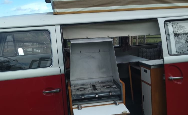 Izzy a Retro VW T2 Bay Classic - A Time Warp With Modern Comforts