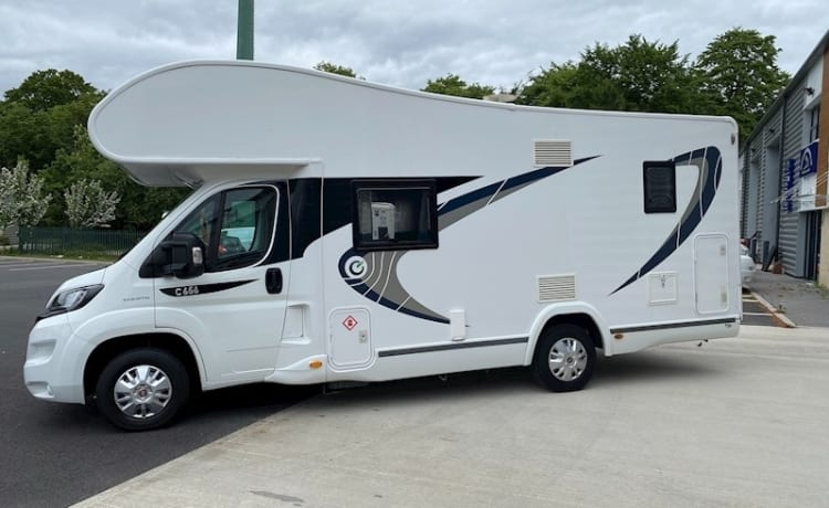 Meet Big Efa - fully equipped 7 berth, 7 belts, family & pet friendly.