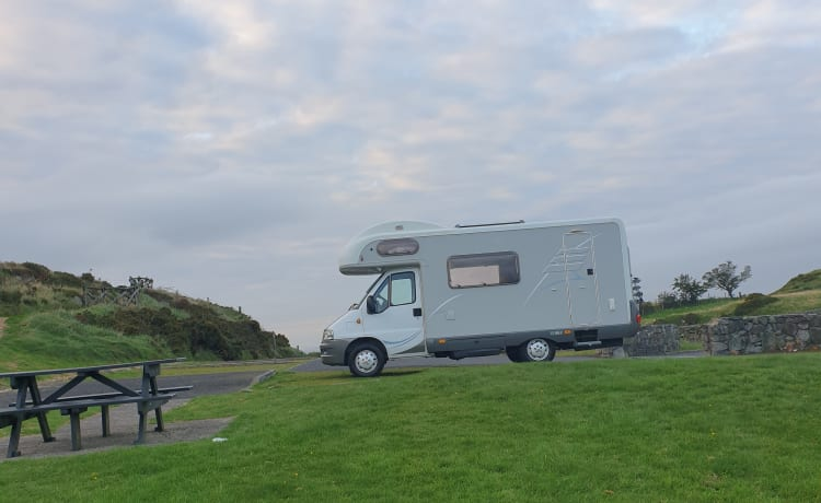 Hatty – Family friendly, fun loving 5 berth Hymer for hire!